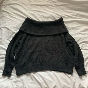 off shoulders sweater
